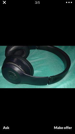 Beats solo 3 wireless for Sale in Miami Gardens, FL