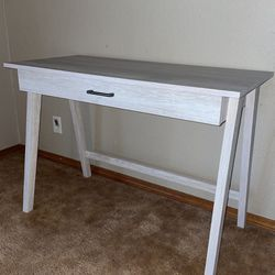 Desk for Sale in Puyallup,  WA
