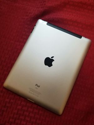 IPad 4th generation, Cellular and Wi-Fi Internet access, UNLOCKED, Usable with Wi-Fi and SIM, Excellent condition. for Sale in Springfield, VA