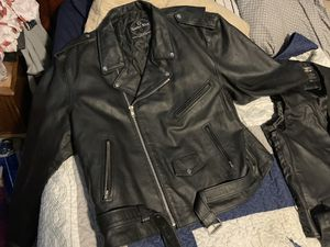 3Xl chaps 3Xl vest and 5 Xl motorcycle close for Sale in Fairview, OR