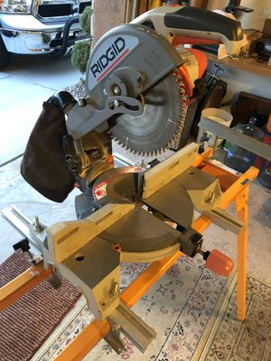 Rigid miter saw with stand. Great condition. for Sale in Clovis, CA