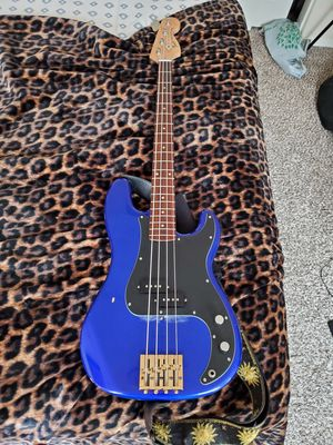 Fender P Bass w/ Custom Bridge for Sale in Long Beach, CA