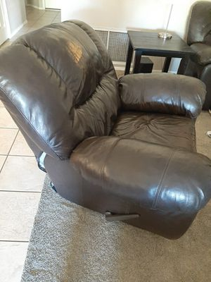 Leather couch and recliner for Sale in Glendale, AZ