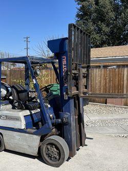 Komatsu 25 Forklift for Sale in La Puente,  CA