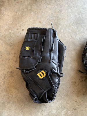 Wilson Softball glove for Sale in Suisun City, CA