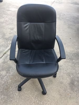 Computer / Desk / Office Chair for Sale in Dallas, TX
