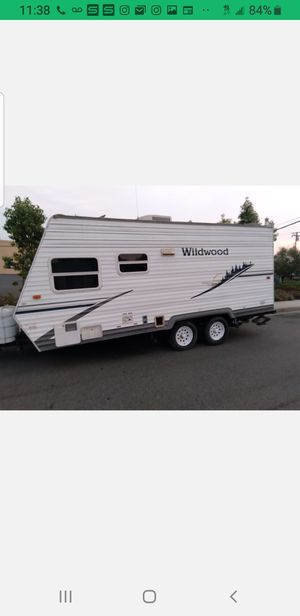 2006 Wildwood 19ft travel trailer for Sale in Moreno Valley, CA