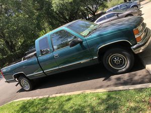 Chevy Silverado 2500 5.7 v8 gas 8ft bed for Sale in Tampa, FL
