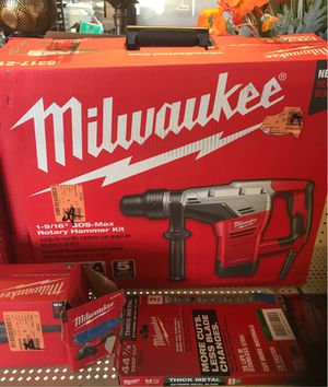 Milwaukee rotor hammer 1' 9/16 for Sale in National City, CA