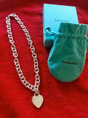 TIFFANY & CO HEART CHARM NECKLACE - like new FIRM $245 for Sale in Santa Clara, CA