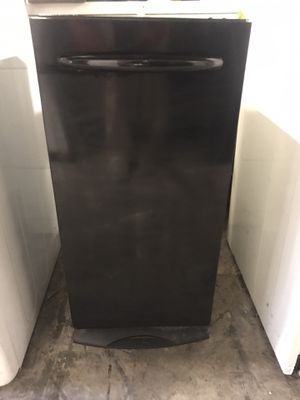 USED BLACK TRASH COMPACTOR COMES WITH 60 DAY WARRANTY for Sale in Norfolk, VA