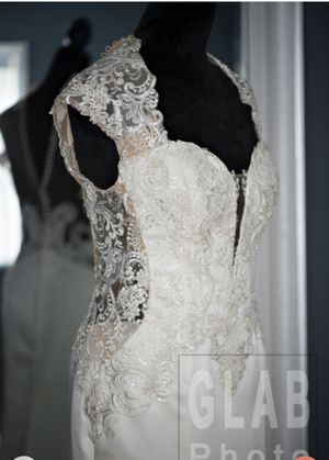 Wedding dress for Sale in Wood Dale, IL