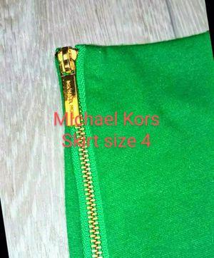4 MICHAEL KORS WOMENS SKIRT SIZE 4 GREEN for Sale in Whittier, CA