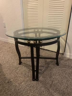 One Glass End Table for Sale in Winter Garden, FL