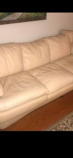 Leather sofa and loveseat for Sale in Tampa,  FL