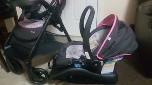 Car seat set for Sale in Maryville, TN