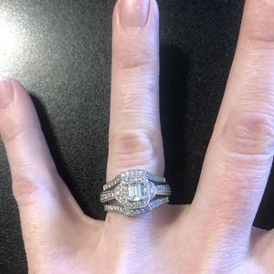 Best Offer Engagement Ring Wedding Ring Set for Sale in Moon Township, PA