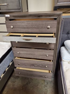 5-Drawer Chest, Gray for Sale in Fountain Valley, CA