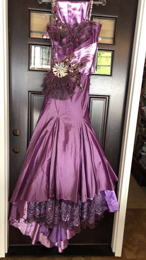 Black label style #9009 size 6 NEW PROM DRESSE for Sale in Snellville, GA