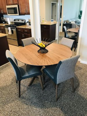 Dining table set + 4 chairs for Sale in Rockledge, FL