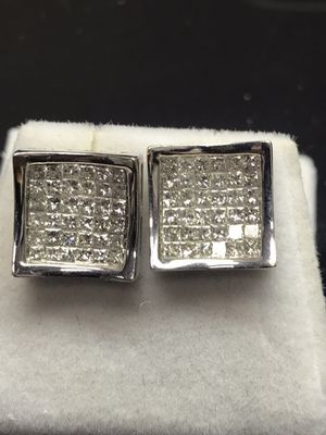 14k gold 2ct Diamond Earrings for Sale in Baltimore, MD