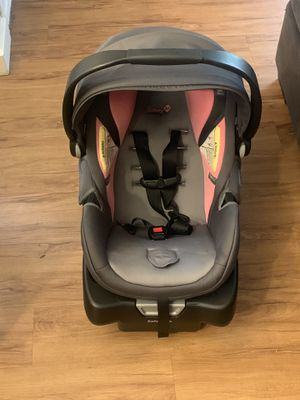 Safety 1st car seat & base for Sale in Kent, WA