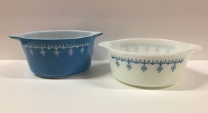 Vintage Pyrex Snowflake Garland Bowls for Sale in Hurst, TX