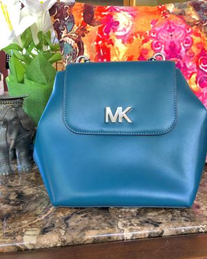 NWT: teal Michael Kors purse for Sale in St. Louis, MO
