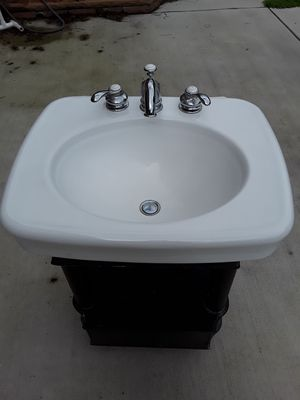 KOHLER SINK AND WOOD BASE for Sale in Millsboro, DE