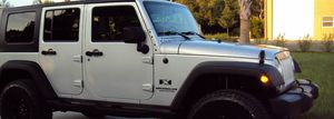 Price$18OO Jeep Wrangler 2OO7 for Sale in Phoenix, AZ
