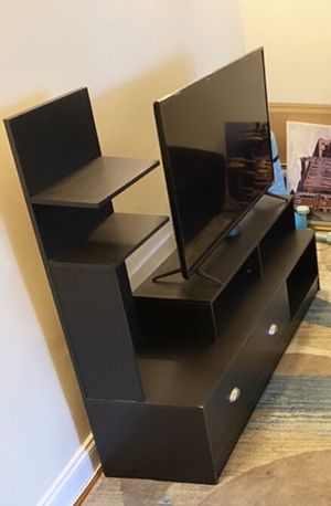 Black tv stand - great condition for Sale in Washington, DC