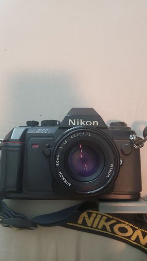 NIKON n2000 with bag extra lenses and flah for Sale in Chandler, AZ