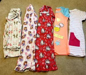 5 toddler jammies for Sale in Puyallup, WA