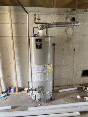 Free gas water heater, 50 galons, works well for Sale in Chevy Chase, MD