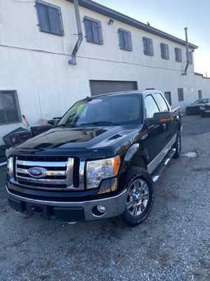 2009 Ford F150 XLT 4 x 4 only 118Kmiles for Sale in Malden, MA