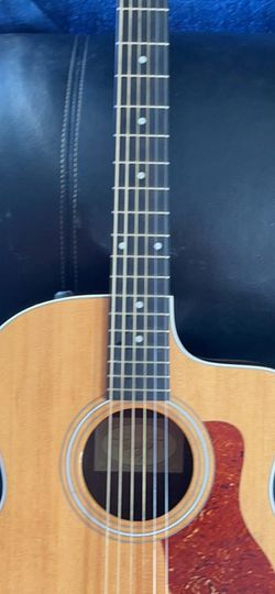 Taylor 214ce Electric Acoustic With Skb Hard Case for Sale in Tigard,  OR