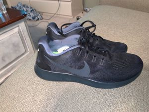 Nike men's running shoes for Sale in Clovis, CA