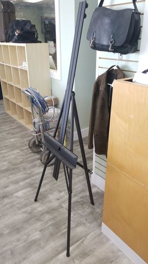 Large Art Easel RADY FOR USE for Sale in Tampa, FL