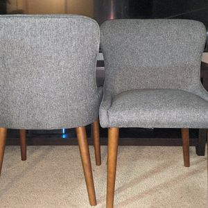 Wingback Upholstered Dining Chairs for Sale in Tacoma, WA