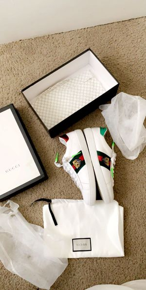 Gucci size 9 for Sale in Columbus, OH