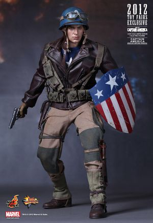 HOT TOYS 1/6 CAPTAIN AMERICA: FIRST AVENGER ACTION FIGURE RESCUE UNIFORM MMS180 for Sale in Long Beach, CA