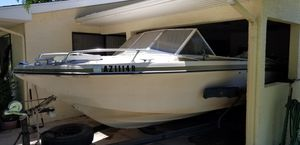 Glaston Runabout Ski and Bass Boat for Sale in Phoenix, AZ