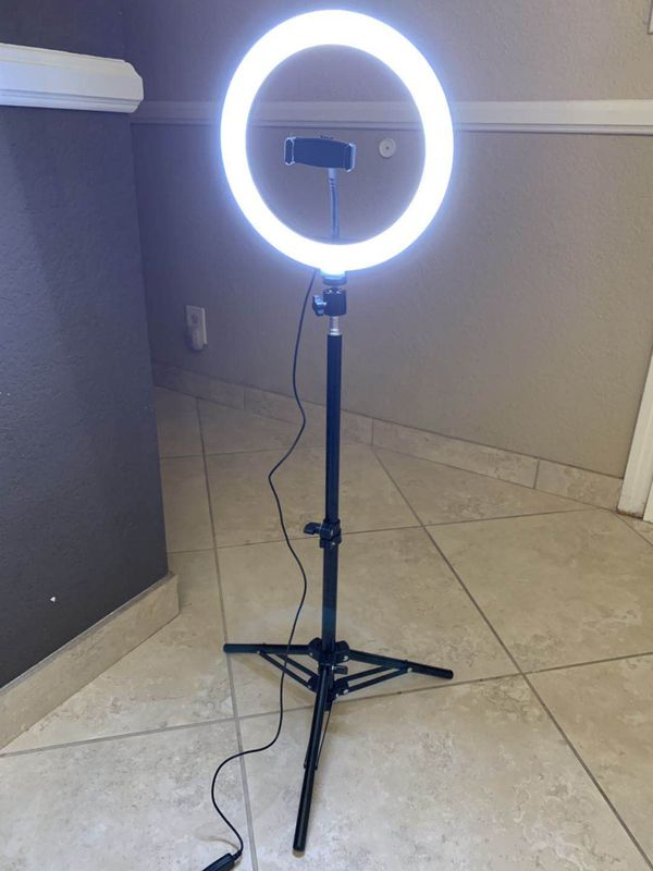 New in box 10 inches Ring LED Light Warm and Cold 3000 to 6500K USB with Adjustable Tripod and Controller Video Maker Phone or Camera Holder Included