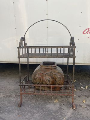 Metal plant stand or rack for Sale in Fort Worth, TX