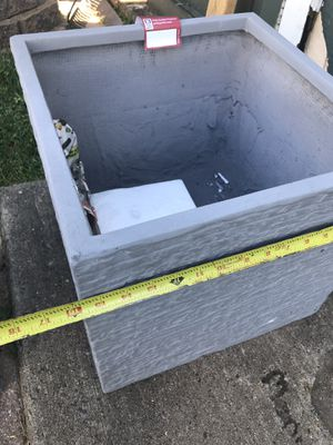 Plant pot for Sale in Levittown, PA