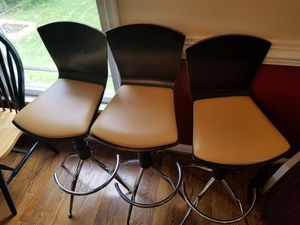 3 Bar Stools for Sale in Centreville, VA