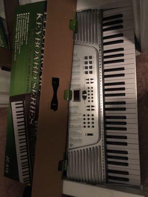Elegance musical keyboard for Sale in Westland, MI