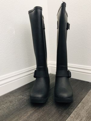 STEVE MADDEN RAIN BOOTS for Sale in Yorba Linda, CA