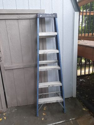 6 foot ladder for Sale in Riverdale, MD