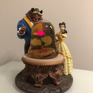 Beauty & the Beast-Enchanted Rose Musical Snow Globe 1991 for Sale in Chicago, IL